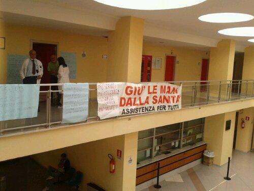 Occupazione Ospedale Ruggi di Salerno