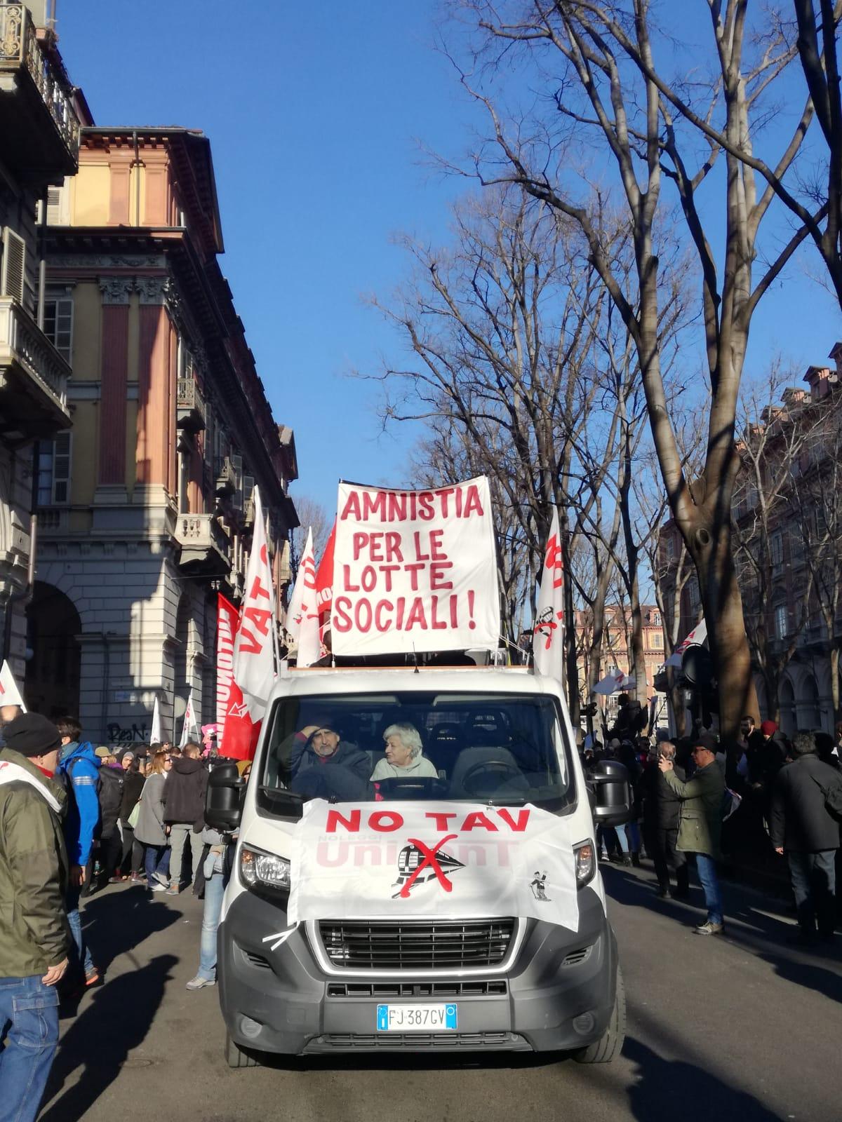 Foto manifestazione NOTAV di Torino
