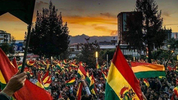 Bolivia: contro il golpe civico-militare – di Marco Consolo